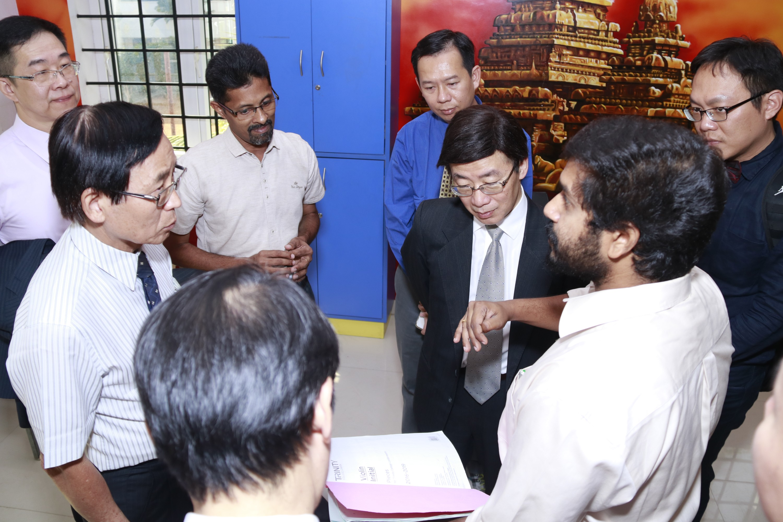 Taiwan Delegates Meet